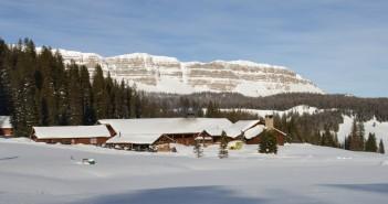 lodge_exterior_winter_brooksmountain